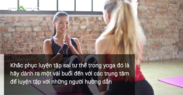 Dù tập yoga tại nhà nhưng bạn cũng phải có người có kinh nghiệm để dẫn dắt đúng hướng!