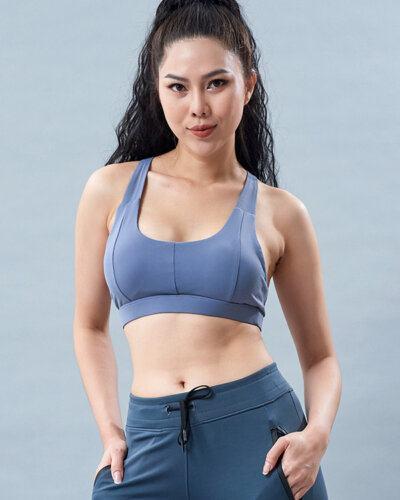 Set yoga nữ 10: Áo bra HN25 và quần lửng PAVO SG2